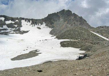 Eén van de vele skihellingen die ook zomers open zijn
