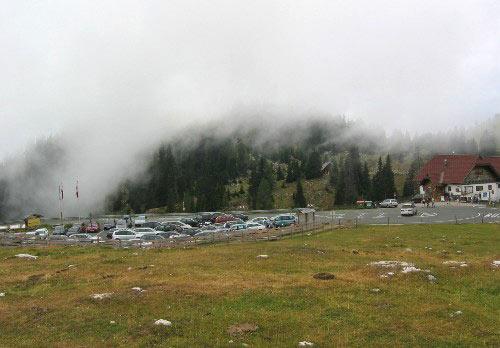 Parkeerplaats in de wolken