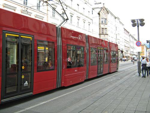 een van de vele trams