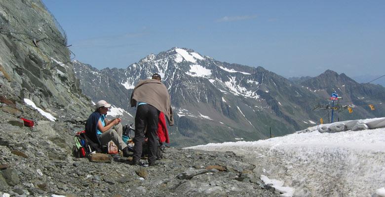 lunchen met een geweldig uitzicht over de Stubaitaler Alpen