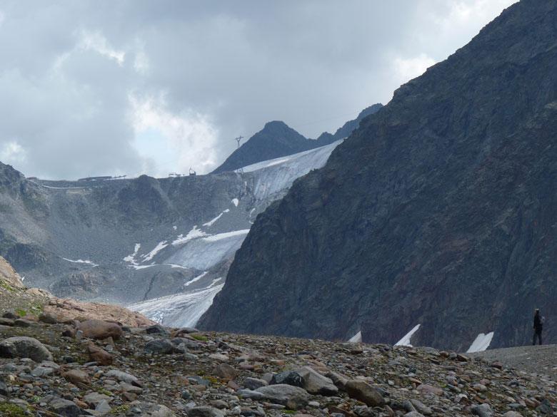 een afdaling van 200m naar de Mittelbergferner