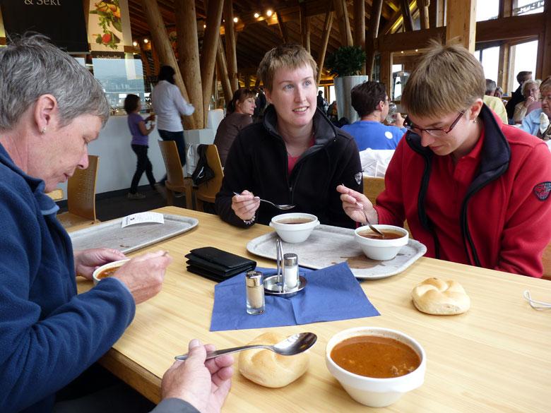 behaaglijk warm in het Gletscherrestaurant