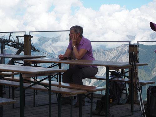 nagenieten op het terras van Berghof Golm