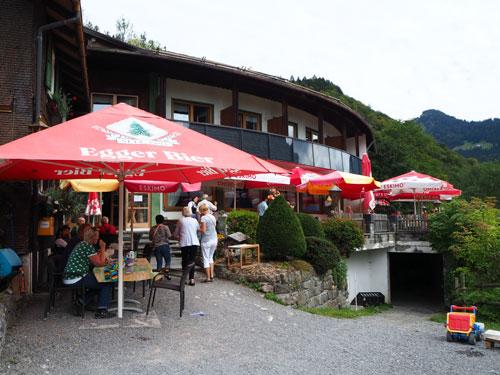 fraai uitzicht vanaf het Berghaus Kanisfluh terras