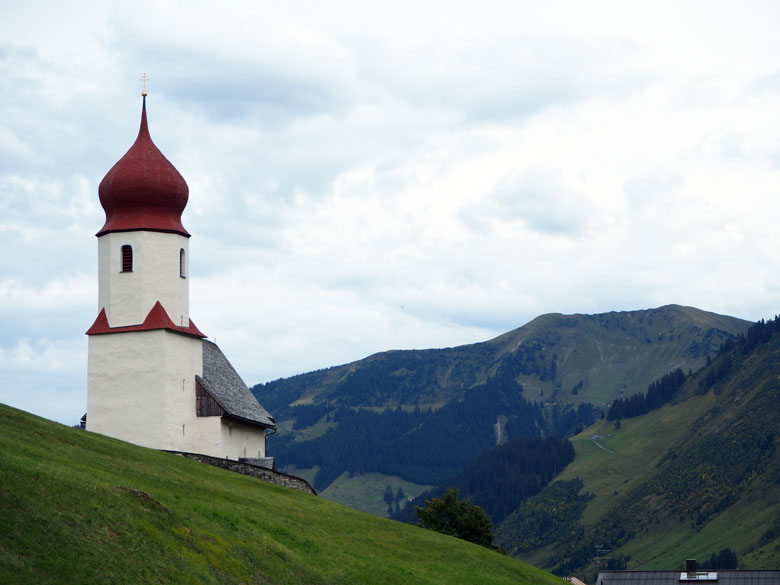 de Pfarrkirche St. Nikolaus in Damüls