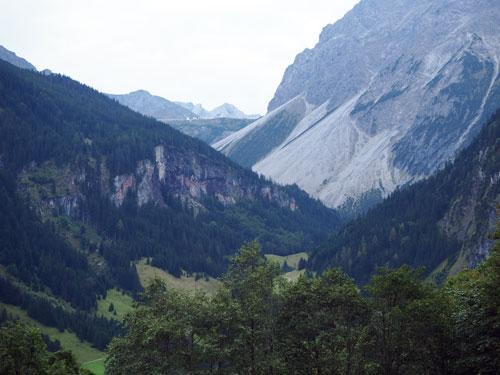 het eerste uitzicht op de Lünersee dam