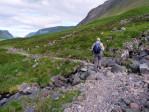 op het stenige pad is het moeilijk lopen