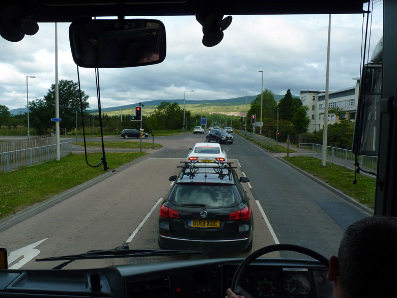 met de bus verlaten we Fort William
