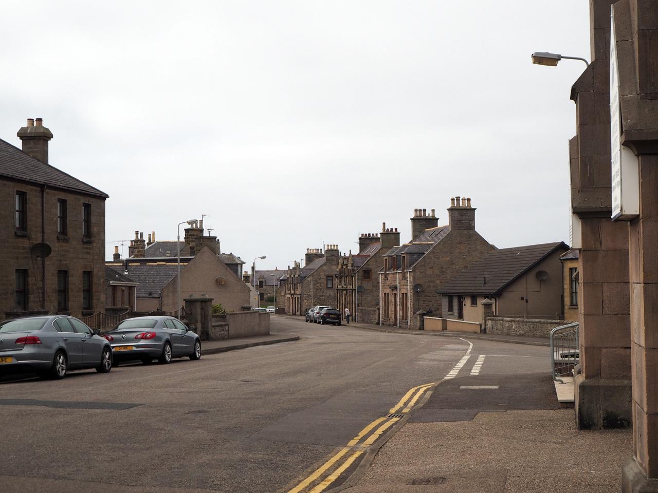 leuke straten met typisch Schotse huisjes