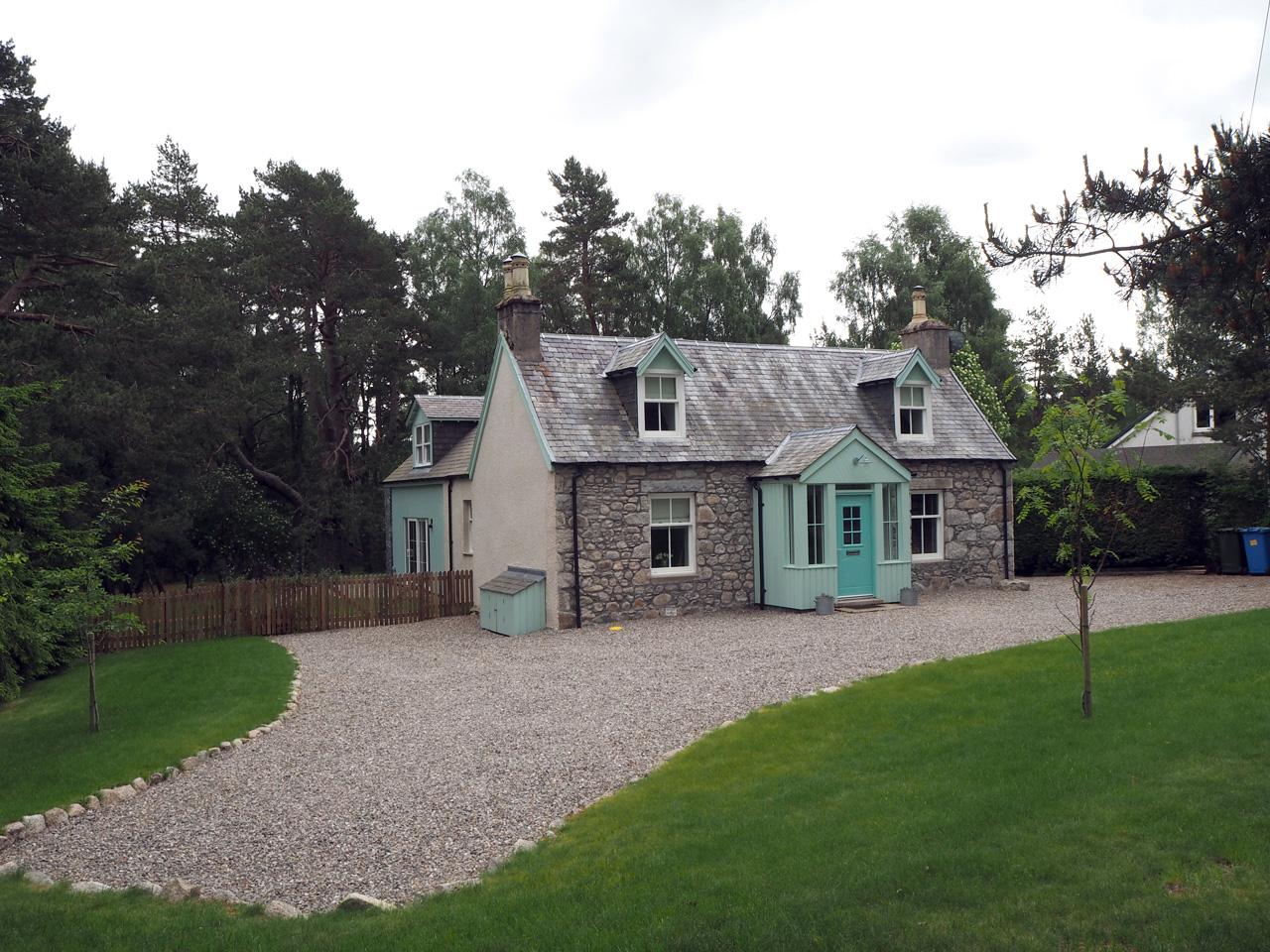 Duackbridge bestaat uit enkele huizen in het bos