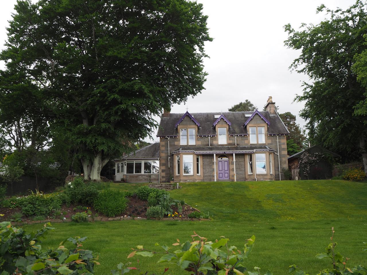 de eerste huizen in Boat of Garten