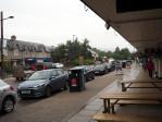 net bij het station aangekomen begint het flink te regenen