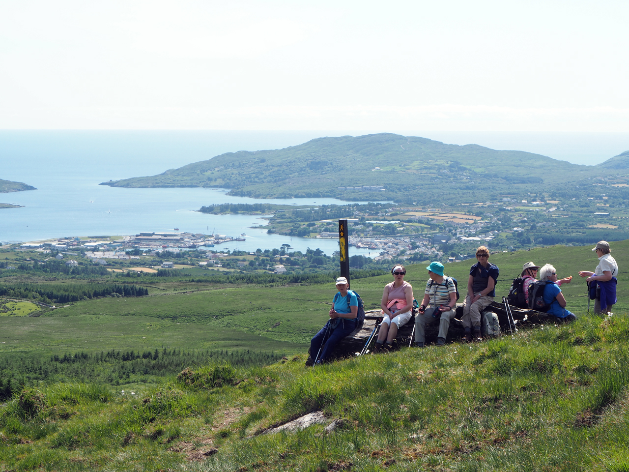 pauze samen met een Ierse damesgroep