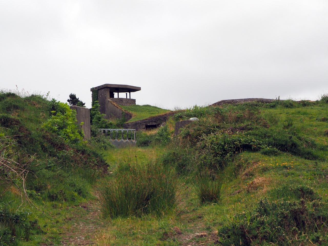 een van de vestingwerken op Bere Island
