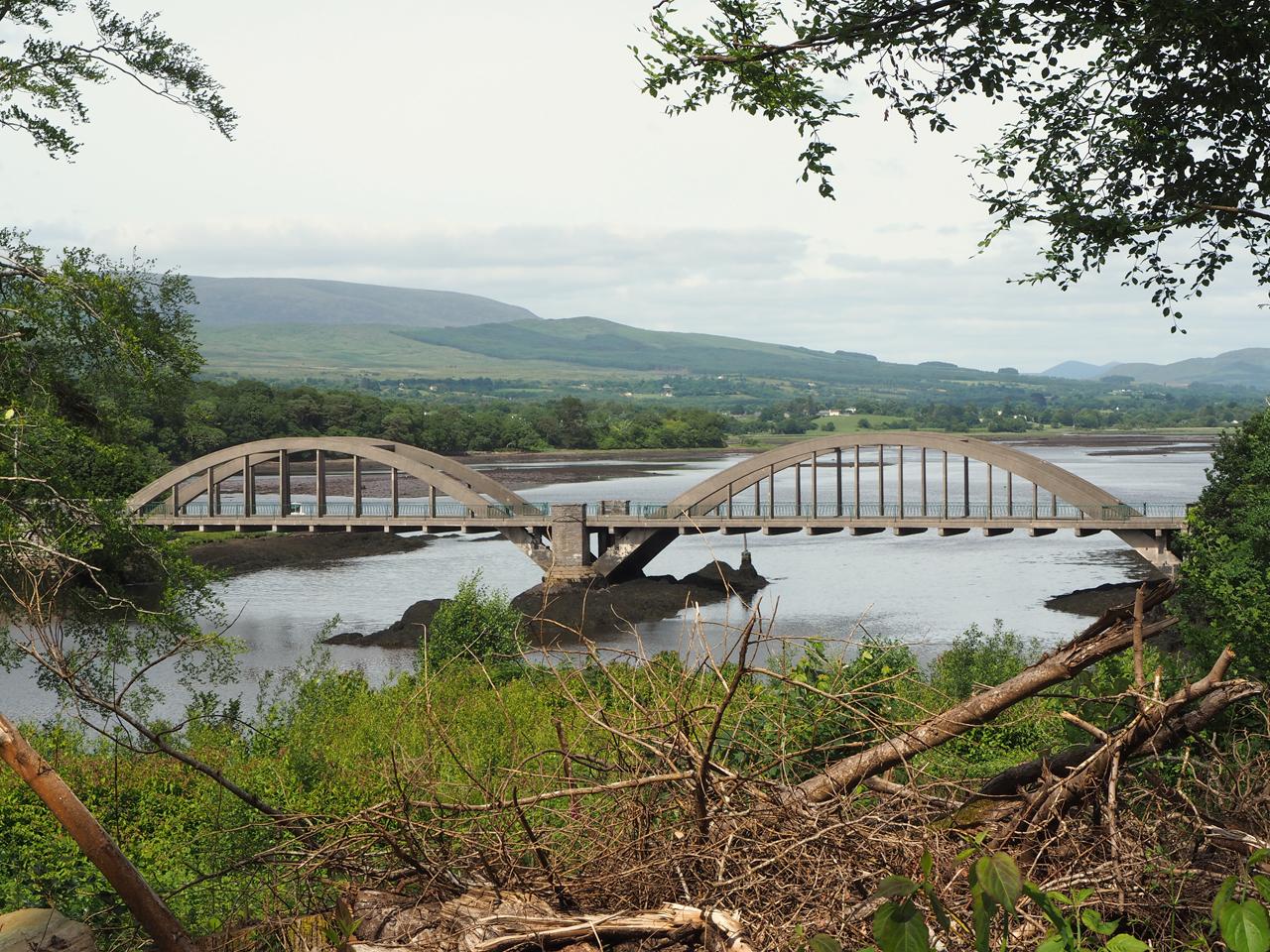 daar is de brug over de Kenmare River