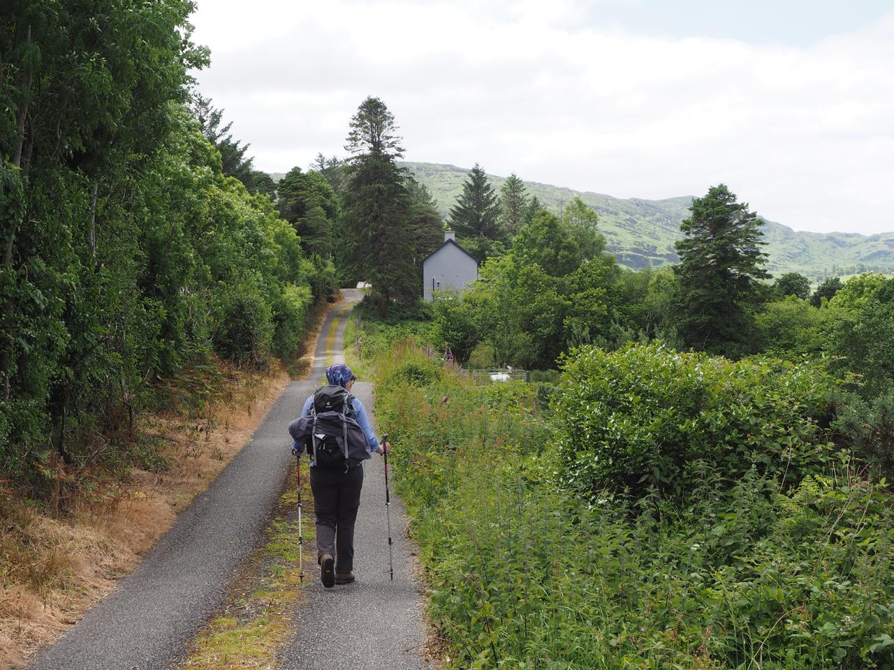 op weg naar de tweede bergrug