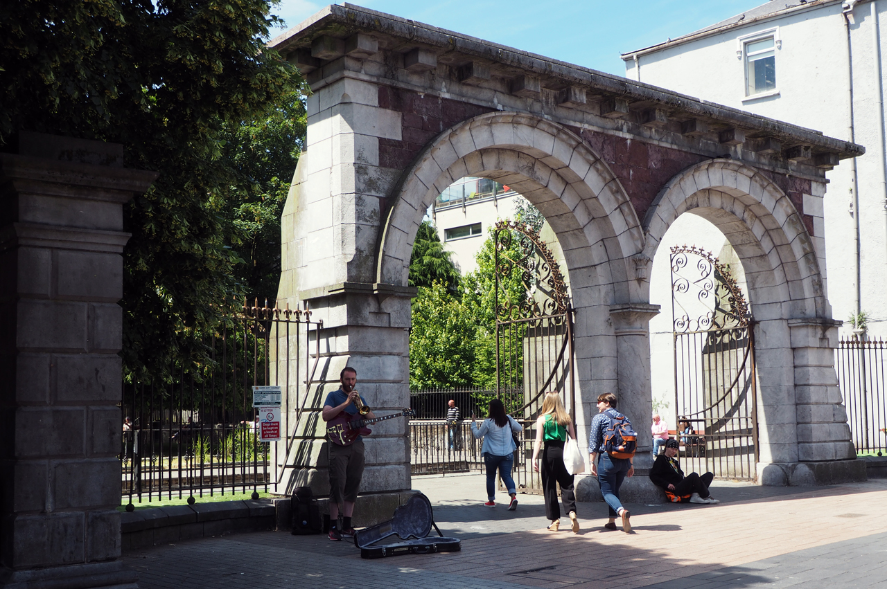 poort naar het stadspark van Cork