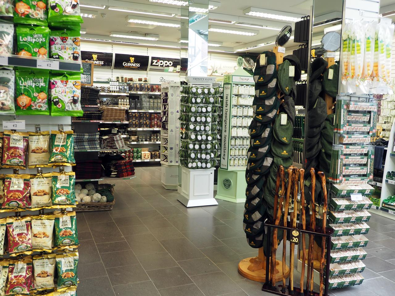 een enorme Ierland souvenirwinkel